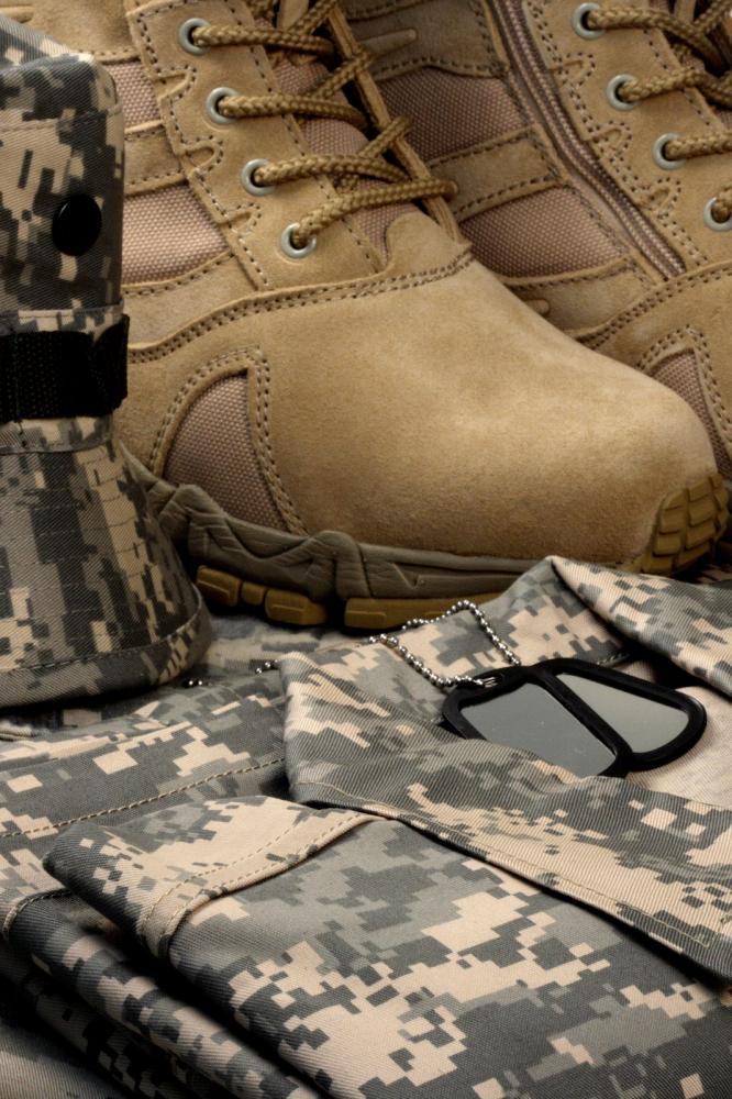 Light brown tactical shoes